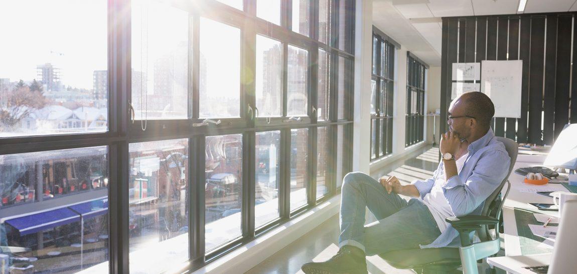 Phim cách nhiệt cho văn phòng, Dán kính chống nắng nóng văn phòng