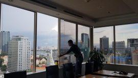 Dán kính chống nắng văn phòng