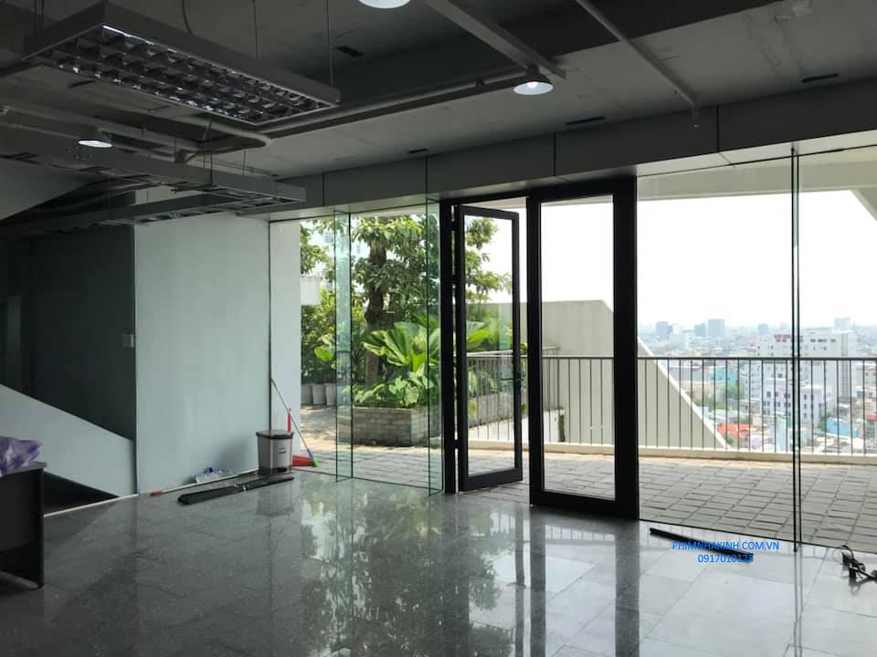Thi công dán kính cách nhiệt cho Tòa nhà Phi Long – Đà Nẵng
