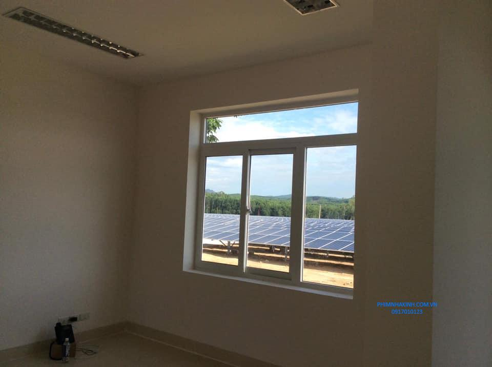 Dán phim cách nhiệt nhà máy điện mặt trời Bình Nguyên, Quảng Ngãi