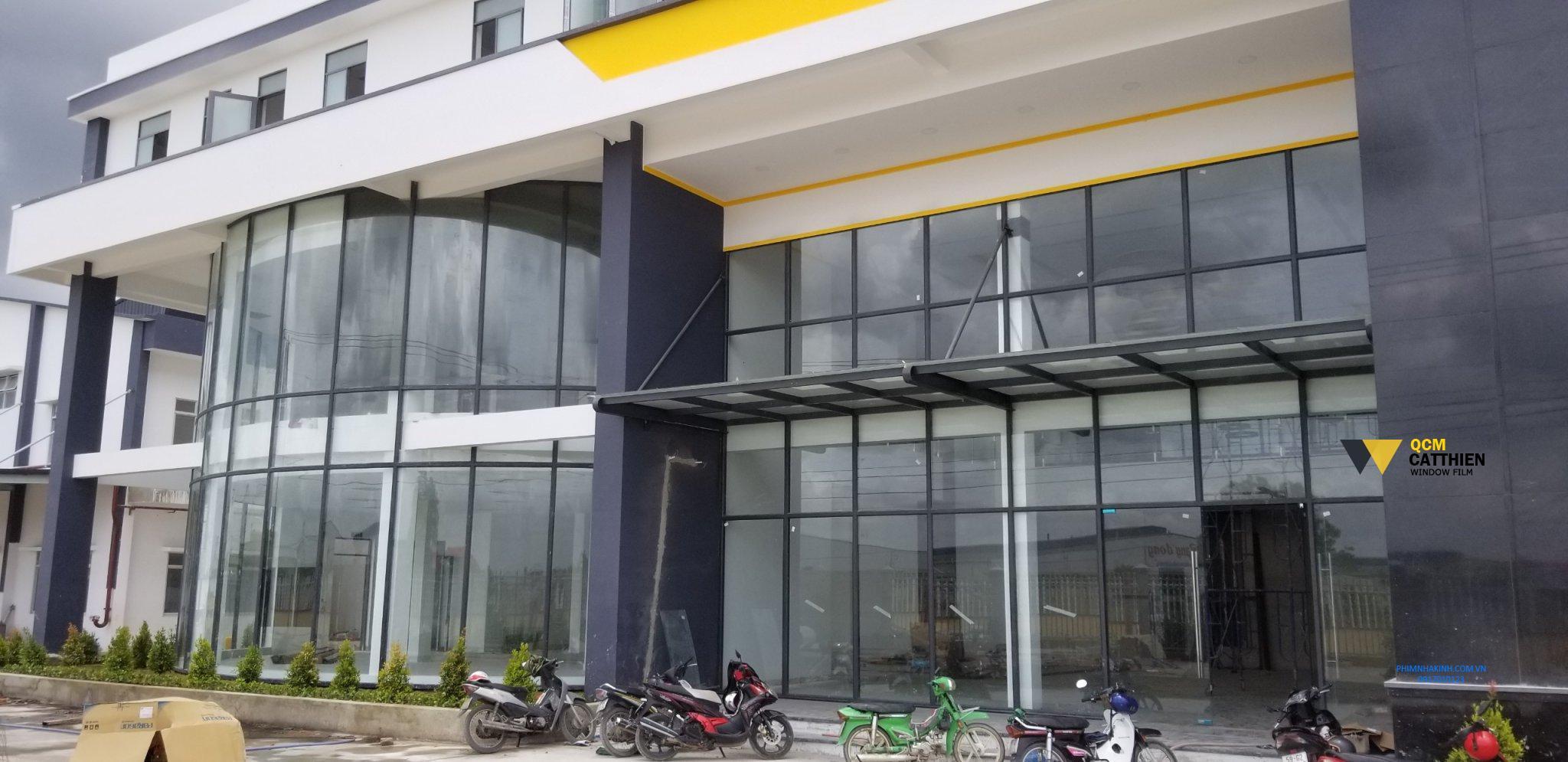 Thi công phim cách nhiệt cho Tòa nhà VP Công ty Nam Hưng, KCN Tân Đô, Long An