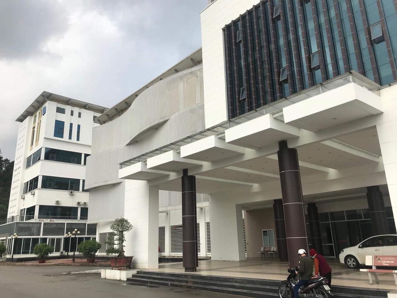 Dán phim chống nắng nóng cho Bệnh viện đa khoa tỉnh Lạng Sơn